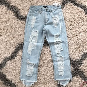 NWT Forever 21 distressed ankle jeans